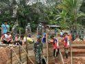 Potret Kemanunggalan Satgas TMMD Regtas ke-107 Kodim 1204/Sanggau